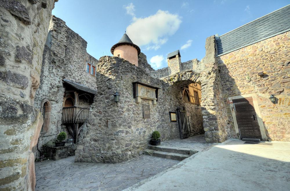 Burg Oberstein, Stammsitz der Grafen von Oberstein
