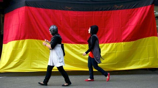 231-muslime-deutschland-191010-540x304