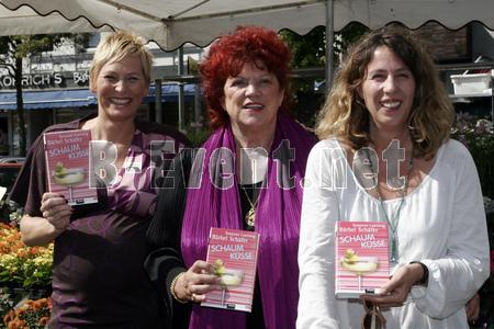 """""""Schaumküsse""""-Team: v. l. Bärbel Schäfer, Regina Ziegler, Susanne Luerweg"""