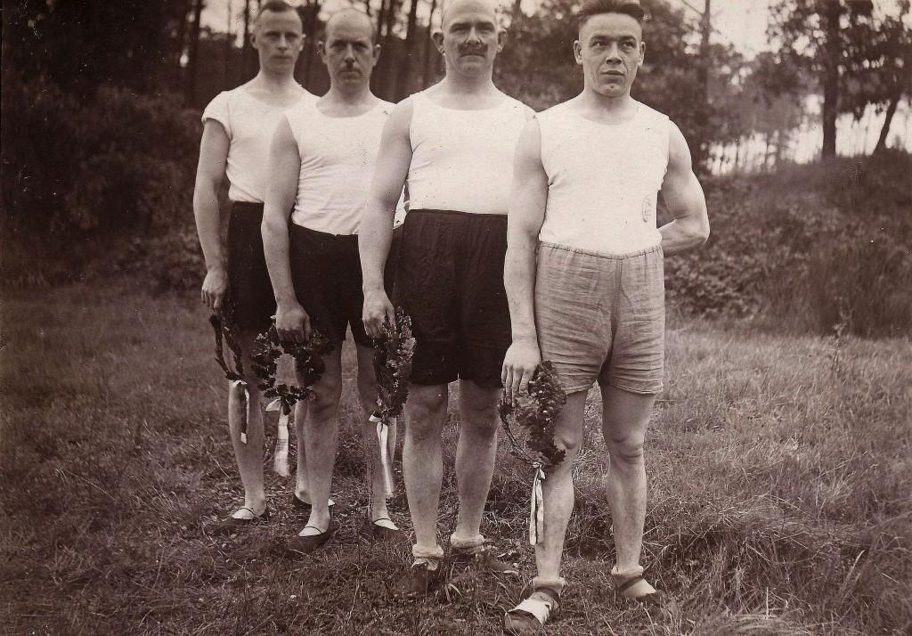 Siegerehreung 1929; Alfred KIstowski vorne