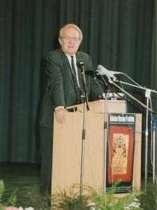 Ministerpräsident Johannes Rau bei der Eröffnung 1992