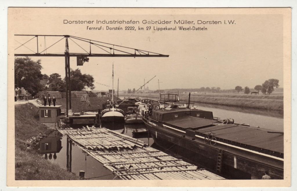 Flöße als Transportmittel im Dorstener Kanalhafen 1932 als