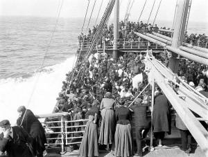 Auswandererschiff in die USA um 1900