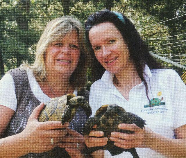 Barbara Klobusch (l.) und Tierärztin Dr. Susanne Ewens