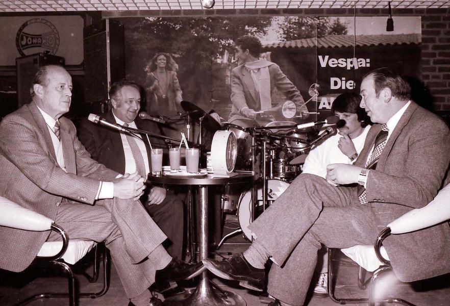 Veranstaltung im alten Lippetorcenter mit BM Hans Lampen (l.), Hans Fabian (2. v. l.) 1983 und Bernhard Loick (r.).xxx