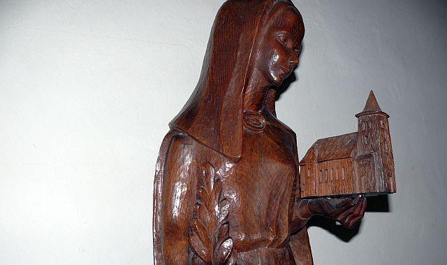 Holzskulpur der Hl. Agatha von S. Paula; Foto: Maria Nienhaus
