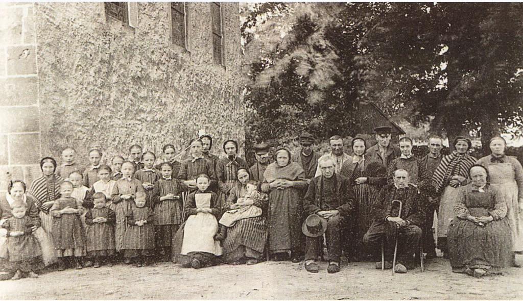 Michaelisstift um 1900, Altenbewohner und Heimkinder
