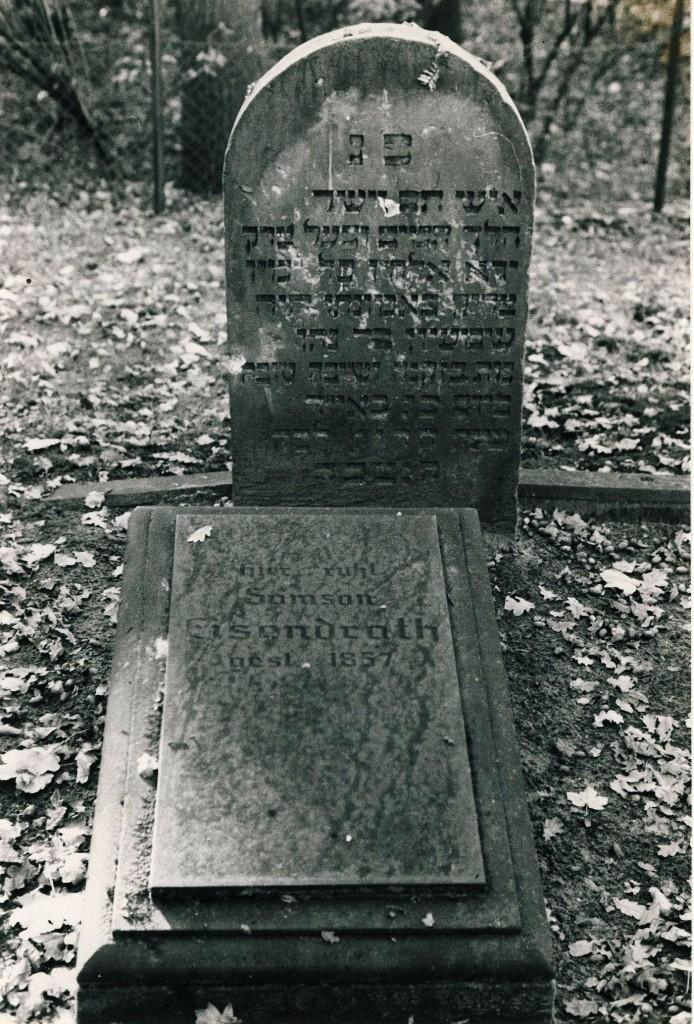 Eisendrath-Gräber auf dem Dorstener Friedhof