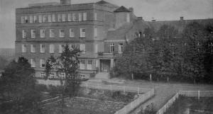 Altes Krankenhaus mit Westflügel