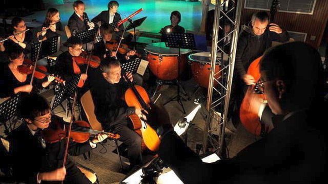 Sinfonieorchester der Musikschule unter Leitung von Josef Jahn (Zauberflöte)