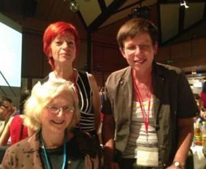 ...Hölting (r) mit der Nobelpreisträgerin E. Blackburn (l.) und H. Fenz