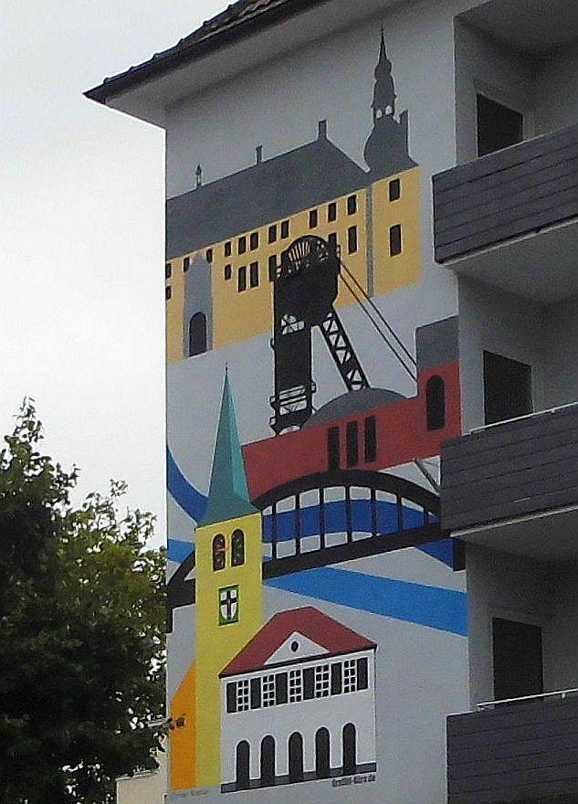DieFassade am Essener Tor zieht die Blicke auf sich; Foto: Wolf Stegemann