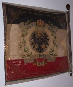 Fahne des Kriegervereins Lembeck-Rhade; Foto: Wolf Stegemann