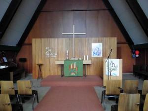 Das bescheidene Innere der Kirche