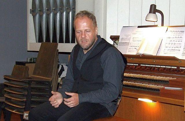 Stephan Hillnhütter 2011 in der Kreuzkirche in Hervest; Foto: Wulfen-Wiki (Bornemann)