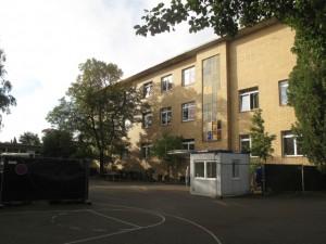 Erstauffanglager im alten Gymnasium Petrinum