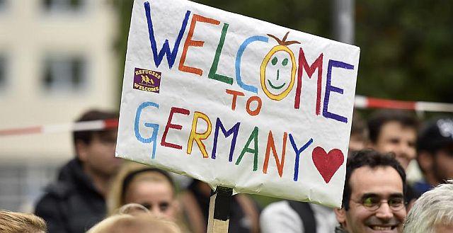 Freundlicher Empfang der Flüchtlinge