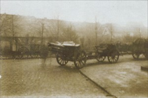 Kanone des Freikorps an der Post