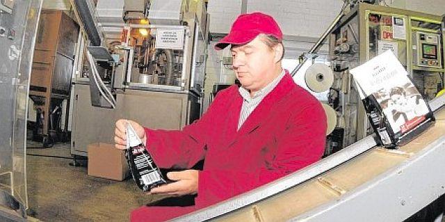 Marco Dietrich 2012 in seiner Firma Opdipack in Heuden; Foto: Winkel (WAZ)