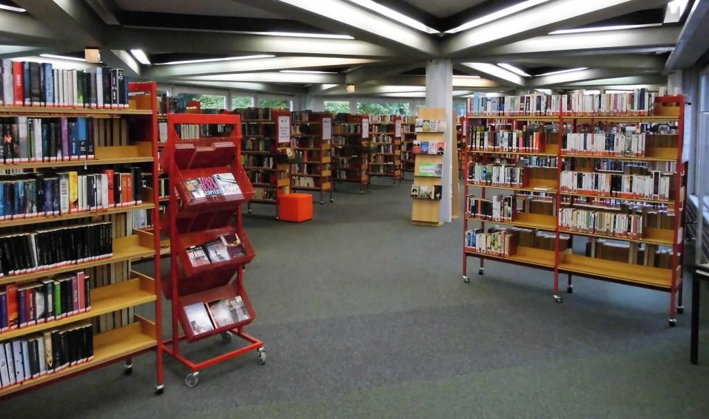 Blick in die Stadtbibliothek; Foto: Wolf Stegemann 2014