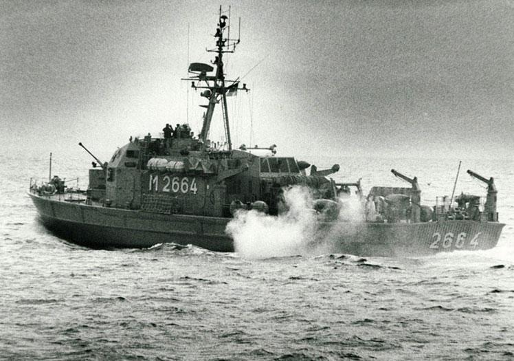 "Minensuchboot ""Atlantis""; Foto: Wolf Stegemann"