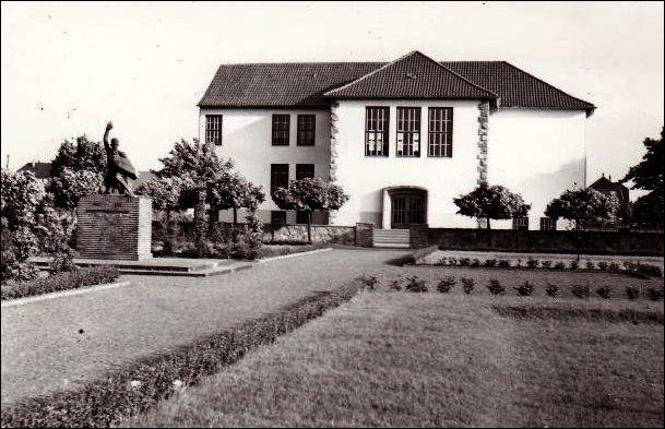 Augustaschule in Hervest-Dorsten nach der Renovierung 1952