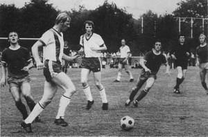 Blau-Weiß auf dem Spielfeld um 1950