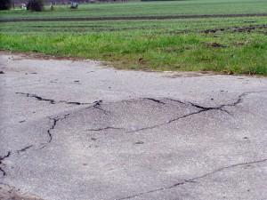 Aufgebrochene Straße