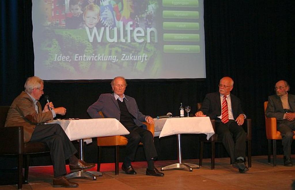 Podiumsgespräch 50 Jahre Barkenberg mit Dahmen (rechts)