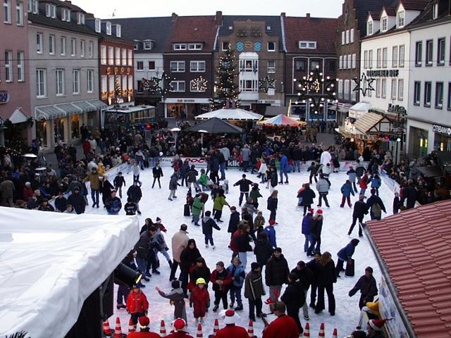Der Marktplatz wird zur Eisbahn