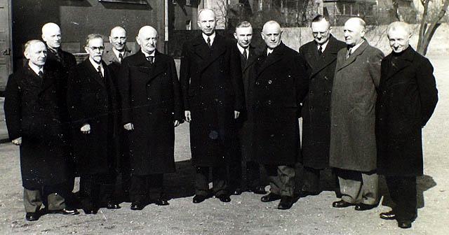 Geeorg Feil sen. (Mitte); Kollegium Gymnasium Petrinum 1943