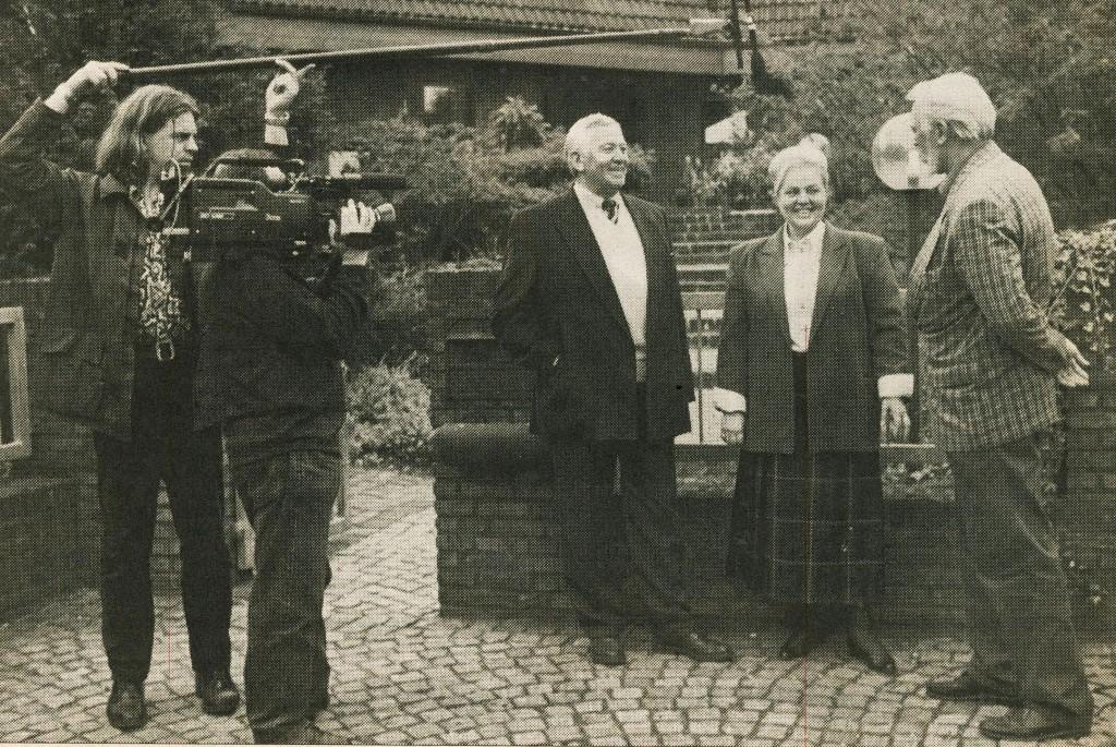 Eckhard Garczyk 1987 beim Ehepaar Keller im Emmelkamp (Zeitungsbild RN)