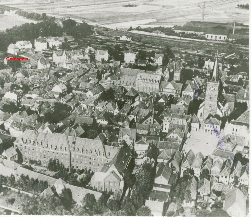 Gefängnis 1925 (oben links am heutigen Willy-Brandt-Ring)