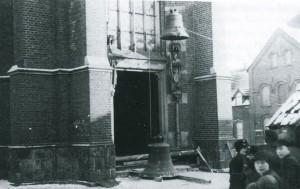 Glockenabnahme in Erle, 22. Januar 1942