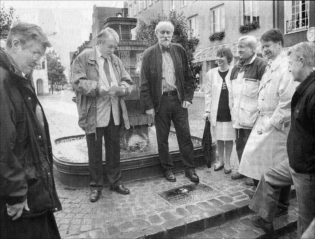 Einweihung; von links: Grete Mai, Wolf Stegemann, Stadtrat Hans Löns, Stadträtin Petra Somberg, Werner KIrstein MdL, Bürgermeister F. Fragemann, Peter Mai