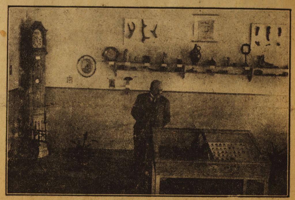 Lehrer Nölle im Holsterhausener Heimatmuseum