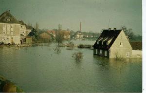 Zwischen Lippe und Kanal, rechts das Krüger-Haus an der Crawleystraße