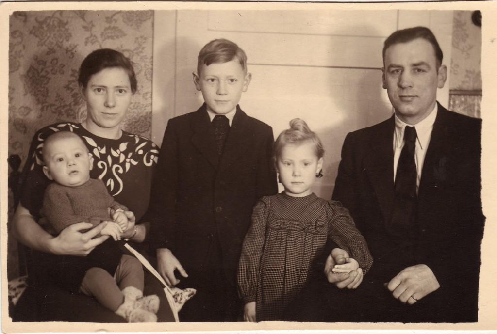 Familie Karl Knorr in der Holsterhausener Parallelstraße