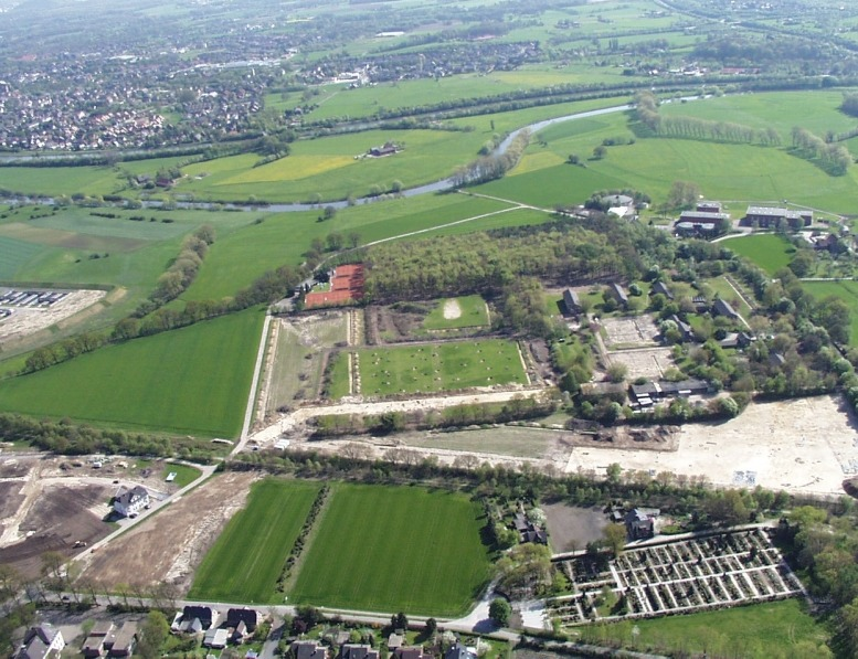 Früher LWL-Erziehungsheim, heute Wohnsiedlung und Ausgrabungsstätte römischer Funde; Foto: Archiv Biermann