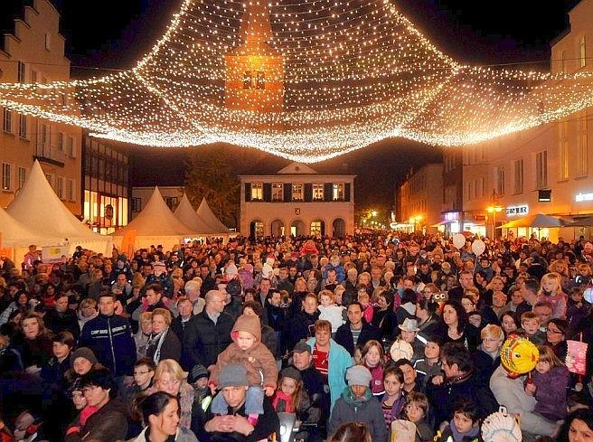 Strahlender Marktplatz; Foto: Elschenbroich