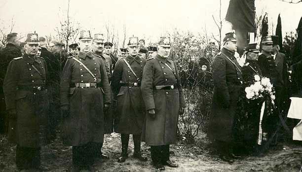 Begräbnis des Landjägers Lüttringhaus
