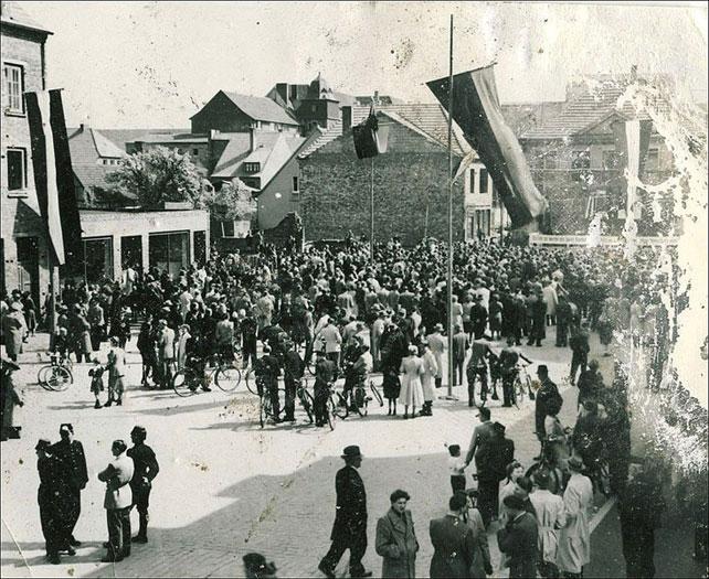 Maifeier auf dem Marktplatz 1949
