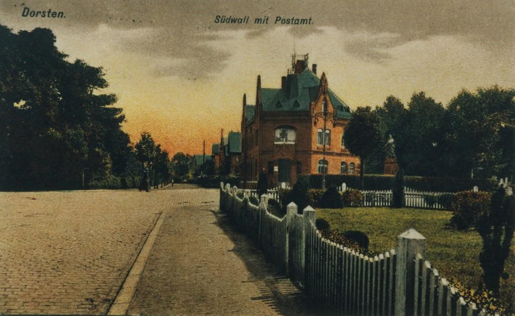 """Kaiserliches Postamt am Essener Tor, rechts davon das Kriegerdenkmal """"Germania"""""""