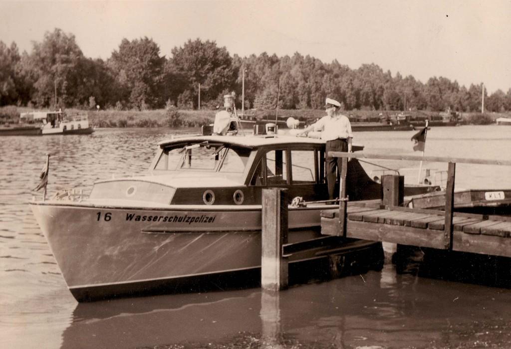 Wasserschutzpolizei auf dem Kanal um 1960