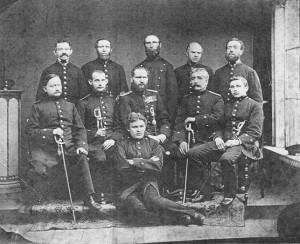 Beamte des Militär-Postamts Dorsten mit Postmeister von Ladorff (Mitte)