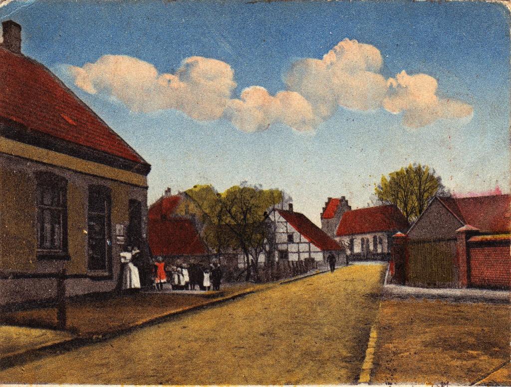 """Holsterhausen Dorf mit Blick auf die alte KIrche (links davon Standort des späteren """"So"""")"""