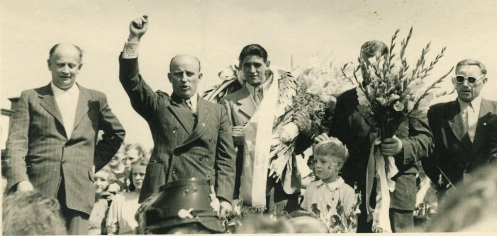 Empfang Günter Sladky (Mitte) 1951