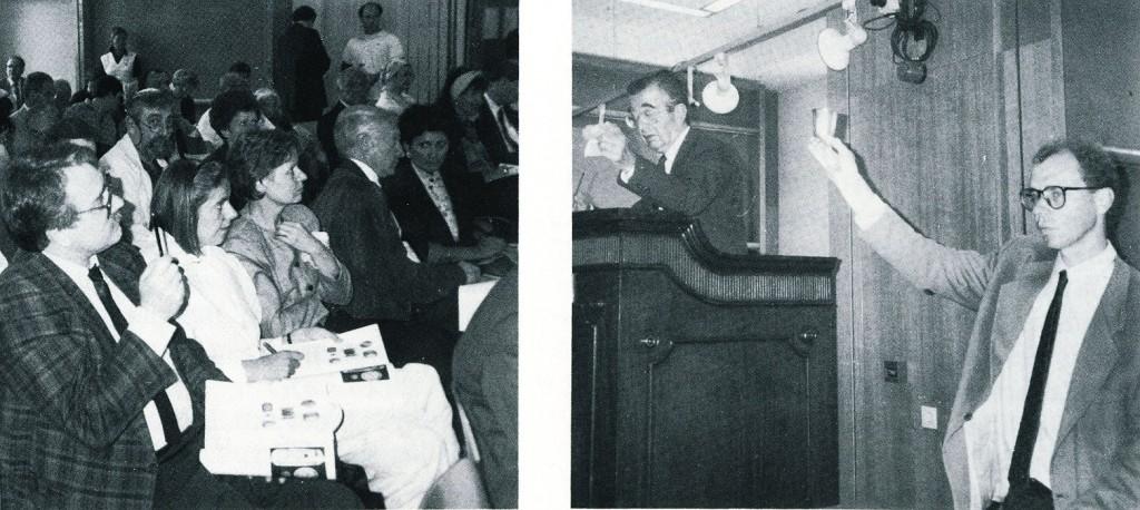 Ersteigerung des Sutro-Bechers in Amsterdam; links: Wolf Stegemann, Dr. ,,,, Ringbeck (NRW-Stiftung), Christel Winkel; Foto: Anke Klapsing