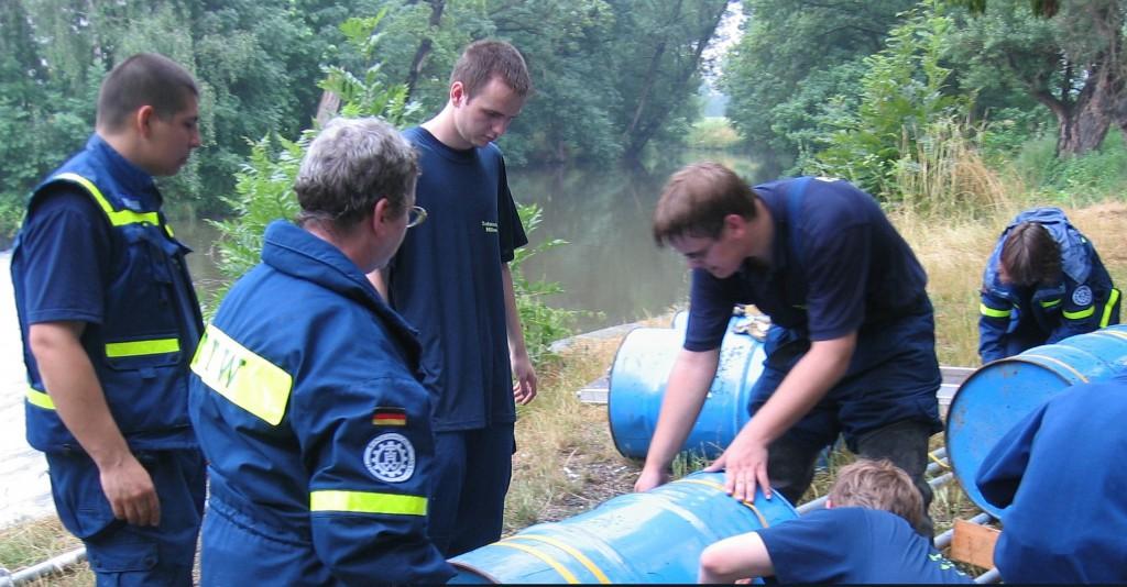 Technischer Hilfsdienst im Einsatz; Foto entnommen der THW-Website