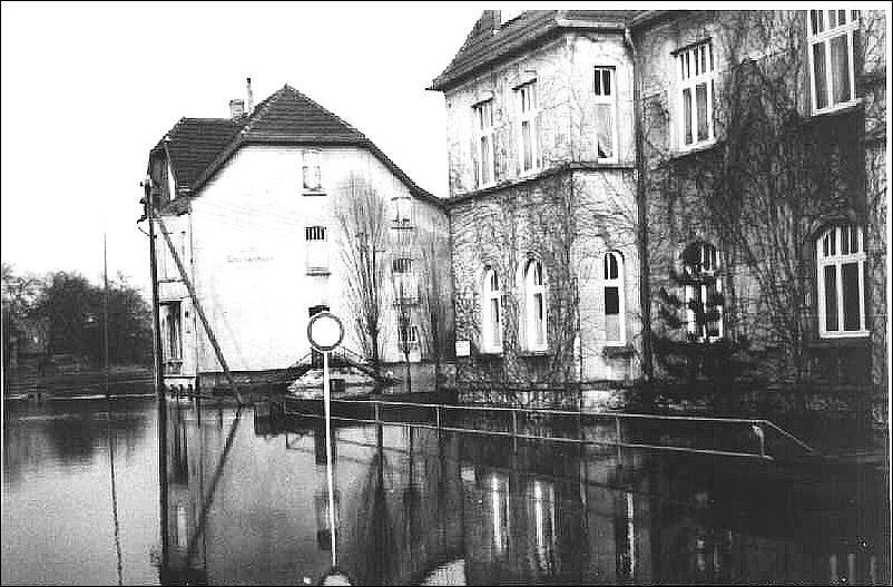 """""""Land unter"""" beim früheren Wasser- und Schifffahrtsamt (Hochwasser)"""